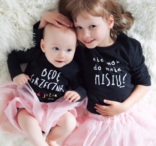 dziewczynki w ubraniach endo