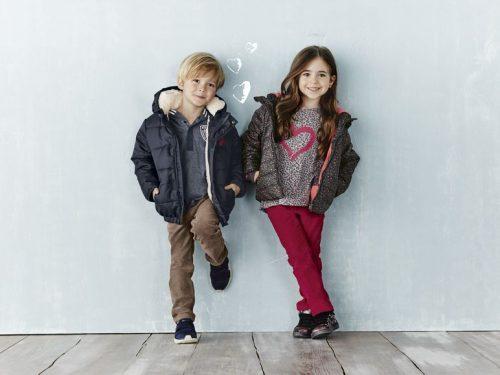 starsze dzieci w ubraniach marki Lupilu Lidl