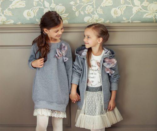 dziewczynki w ubraniach marki wójcik fashion