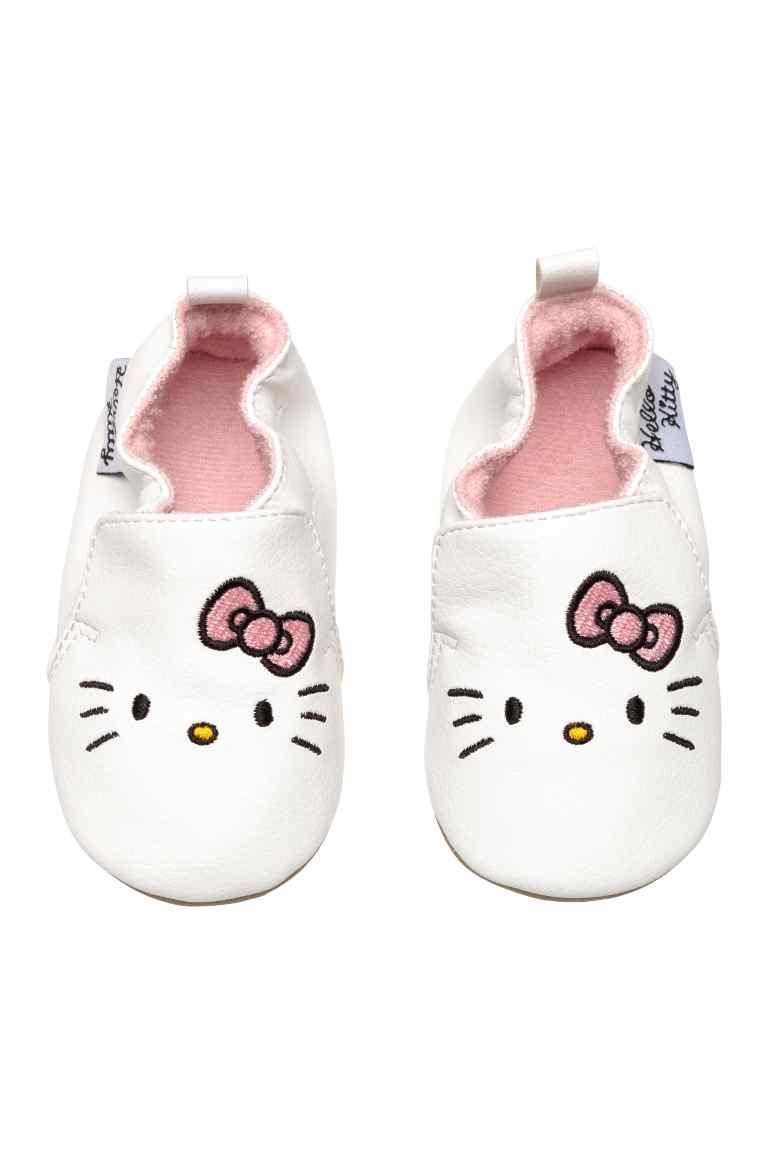 Kapcie dla małej dziewczynki z Hello Kitty
