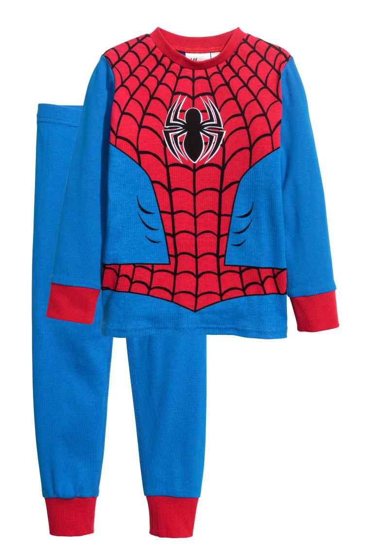 Piżama ze spidermanem