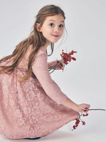 Dziewczynka w sukience Mohito