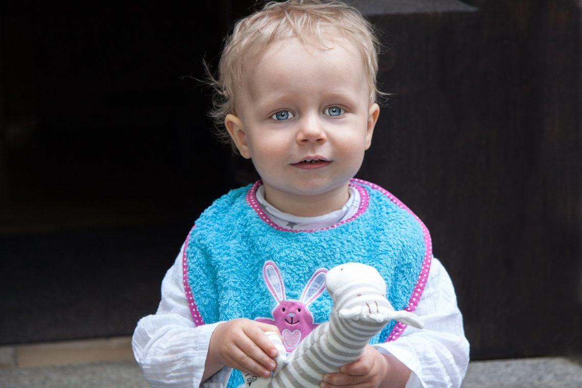 Czy śliniak dla dziecka jest potrzebny?
