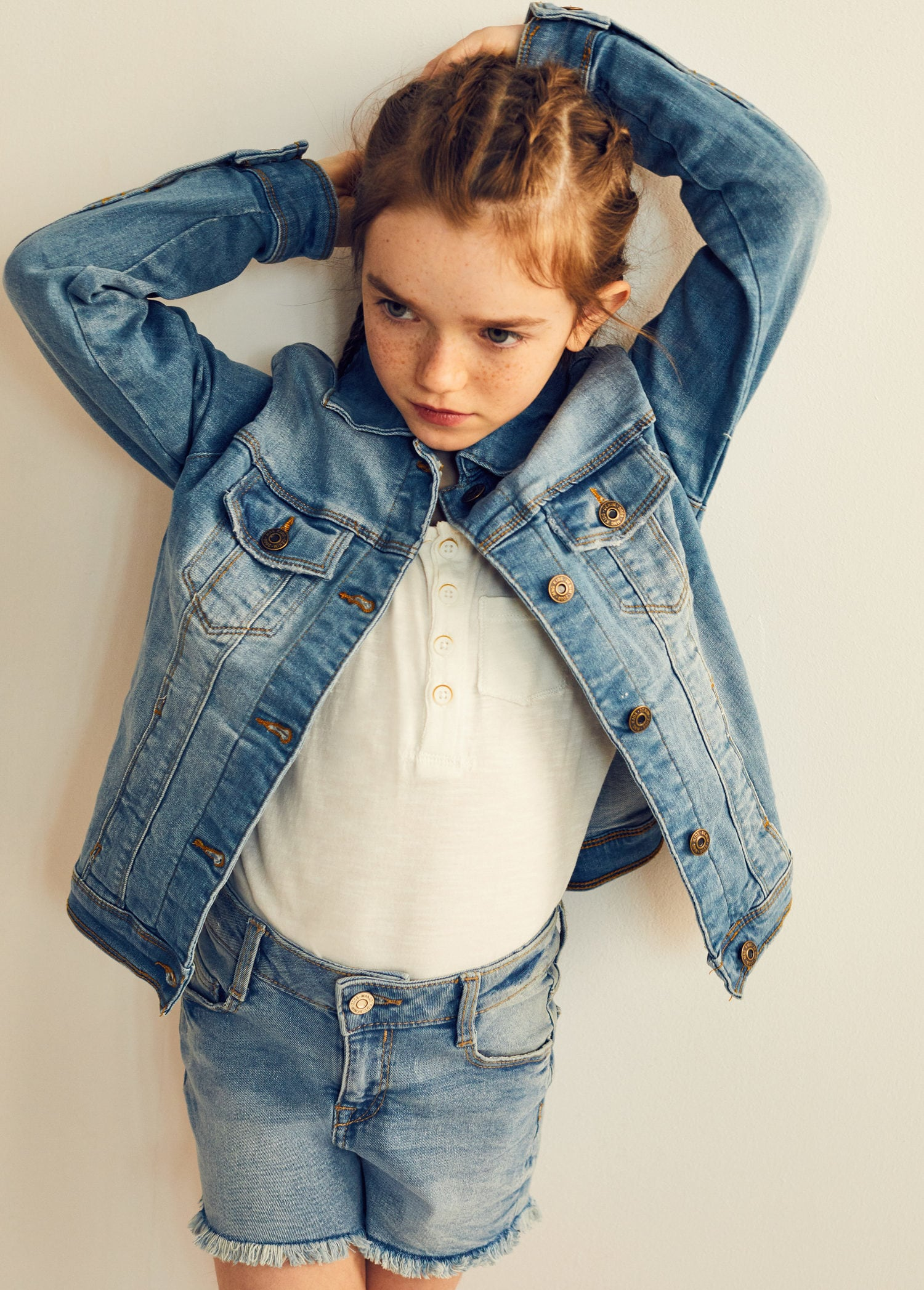 Denim days kolekcja Mango dla dzieci, jeansowe ubrania dla dzieci