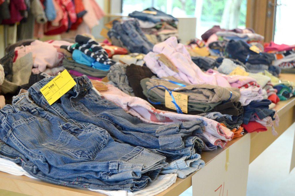 Second-hand - czy można tam kupować ubranka dla dzieci?