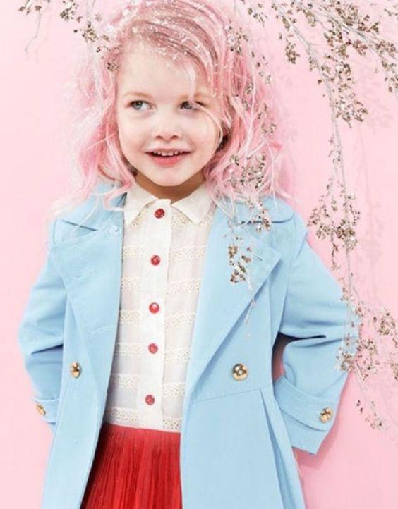 kolorowe włosy różowe włosy